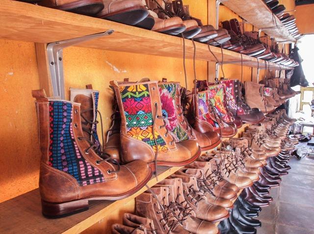 Buy boots in Pastores